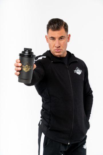 czarny shaker na siłownię