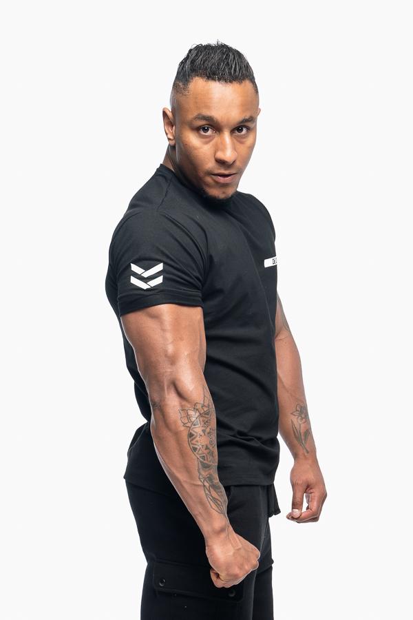 t-shirt męski czarny typu loose fit